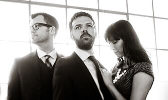 Faded Paper Figures ist ein Synthiepop-Trio