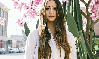Jasmine Thompson mit neuer Single Adore