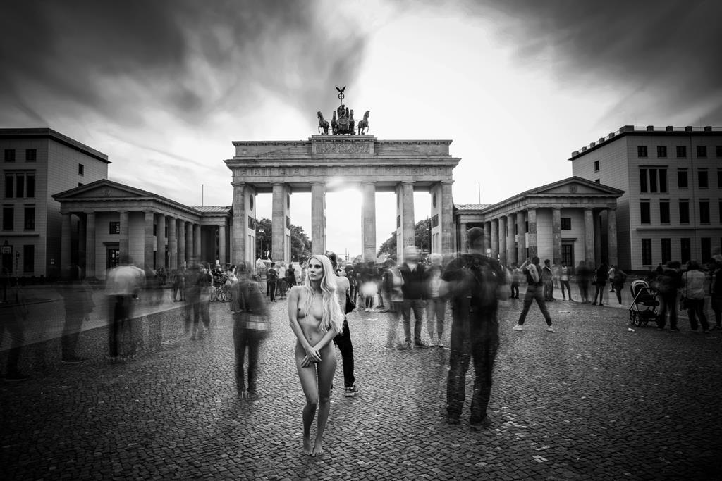 International Photo Artist Kristian Liebrand starts