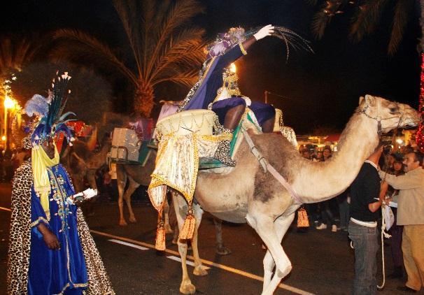 Wer Bringt Weihnachtsgeschenke In Spanien.Mit Den Königen Caspar Melchior Und Balthasar Auf Kamelen